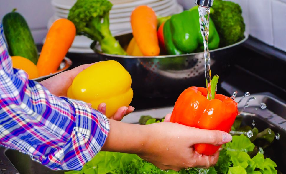 clean-fruits-vegetables-properly